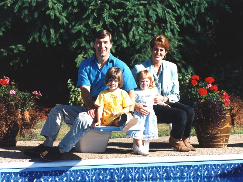 Rick Hansen and Amanda Hansen with two daughters