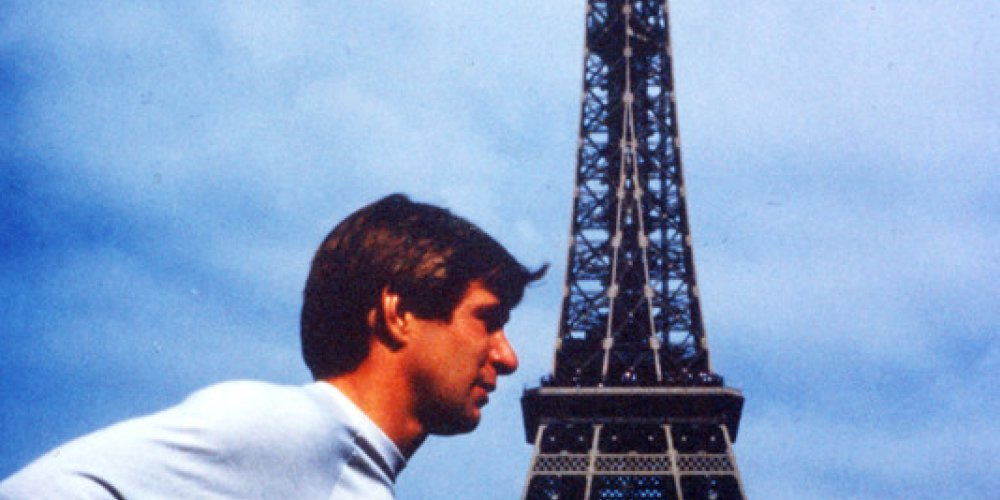 Rick Hansen in front of the Eiffel Tower in Paris, France, 1985.